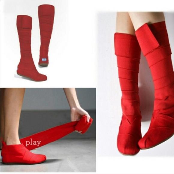 Toms Vegan Red Wrap Valentine Boots 7